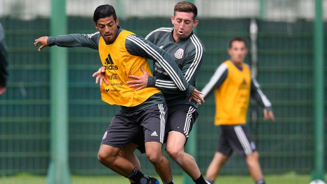 Vela y Herrera en un entrenamiento del Tri