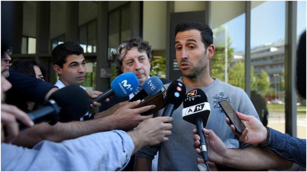 Íñigo López, a la salida de los juzgados de Huesca