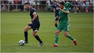 Lance del partido entre el Lugo y Oviedo