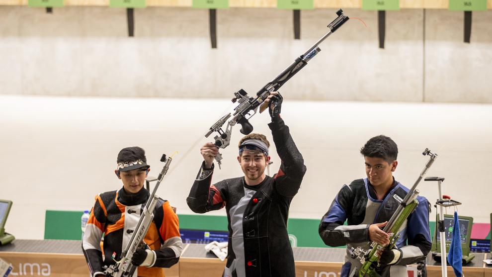 Edson Ramírez se lleva la plata en 10m rifle de aire