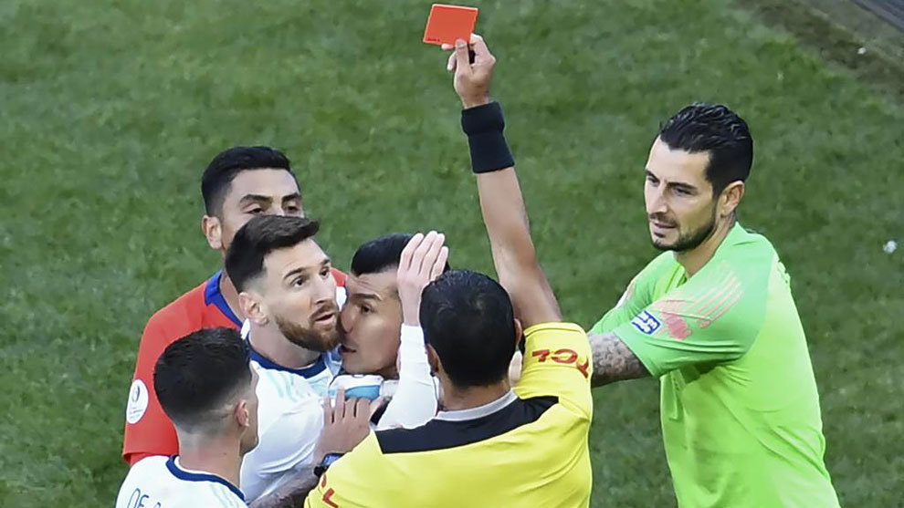 Messi hit with 3-month worldwide  ban for ref rant