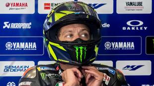 Rossi en su box de Brno.