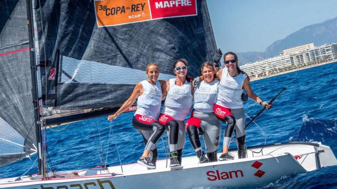 Las ganadoras de la clase femenina de la Copa del Rey MAPFRE.