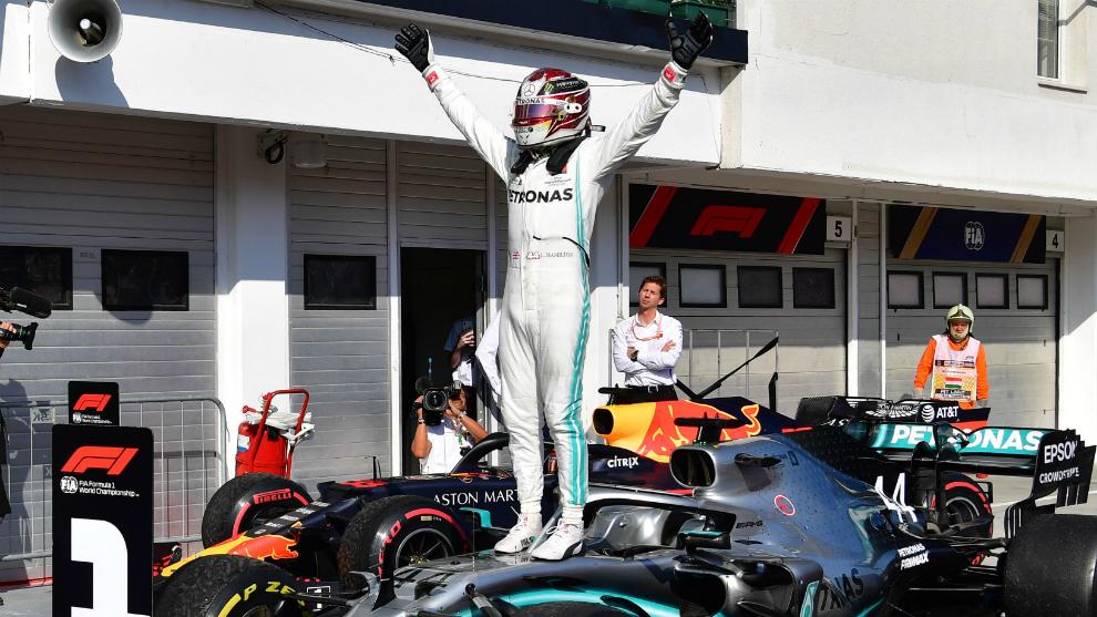 Hamilton, eufórico tras ganar.