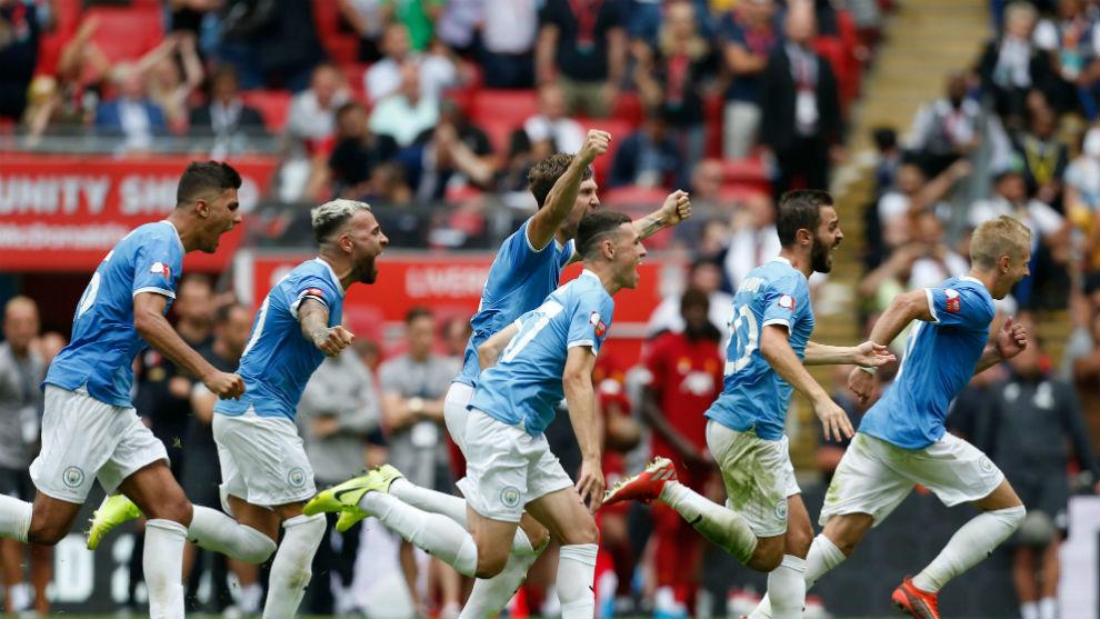 Los jugadores del City celebran el triunfo en la tanda de penaltis.