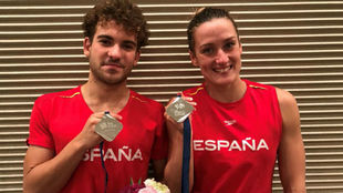Joan Lluis Pons y Mireia Belmonte, con sus medallas ganadas en la...