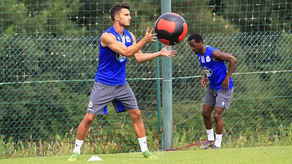 Luis Ruiz ya se entrena en Abegondo con sus nuevos compañero