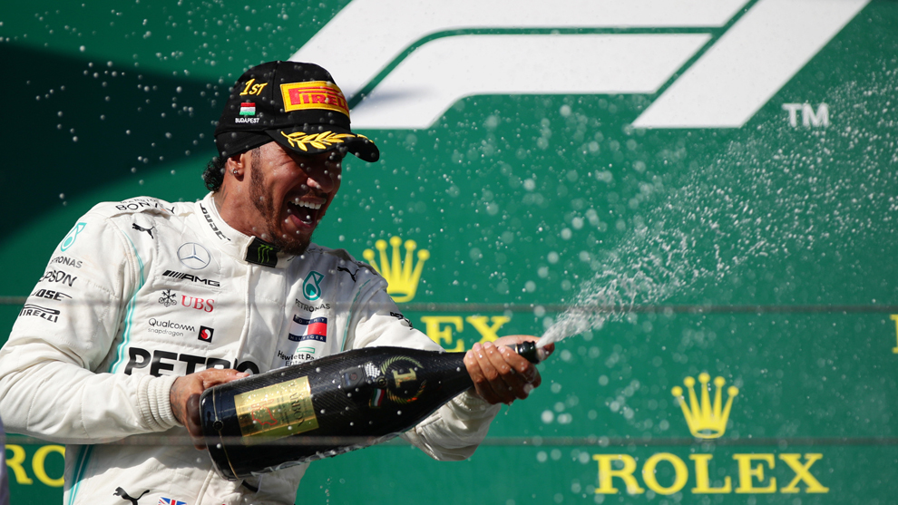 Hamilton celebra en Hungría.