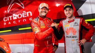 El piloto español con José Pedro Fontes, piloto de Citroën Portugal...