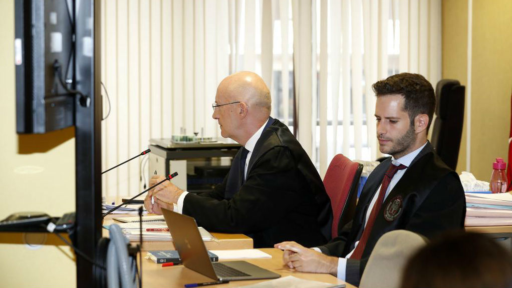 Los abogados de la RFEF, en la vista del Juzgado de lo Mercantil.