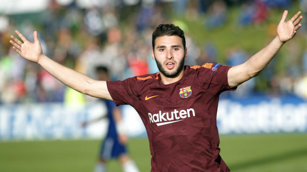 Abel Ruiz in action for Barcelona during the UEFA Youth League.