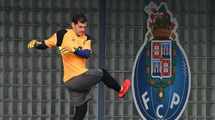 Iker Casillas (38), en un entrenamiento con el Oporto.