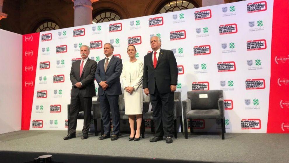 El evento de la firma de la renovación del GP de México.