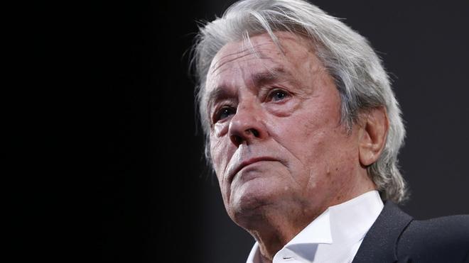 Alain Delon se recupera en Suiza de un accidente cardiovascular