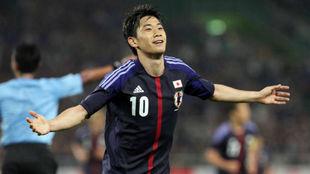 Kagawa celebra un gol con su selección.