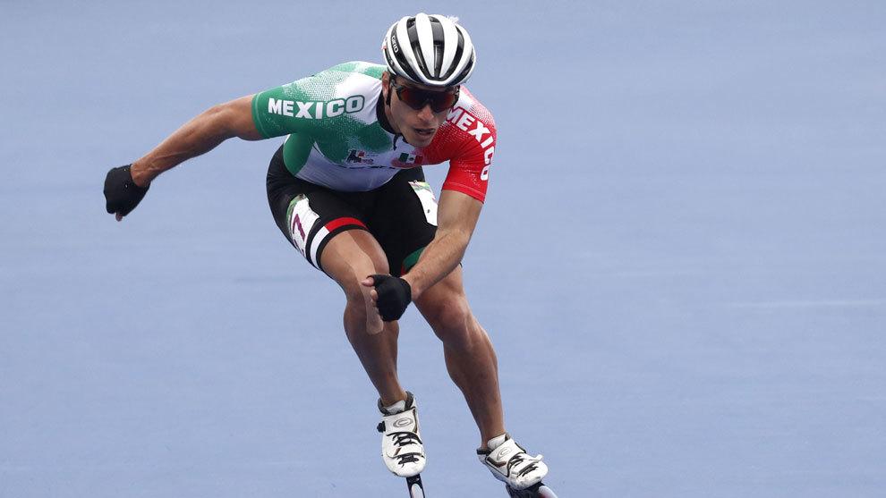 Jorge Luis Martínez se cuelga el bronce en patinaje de velocidad