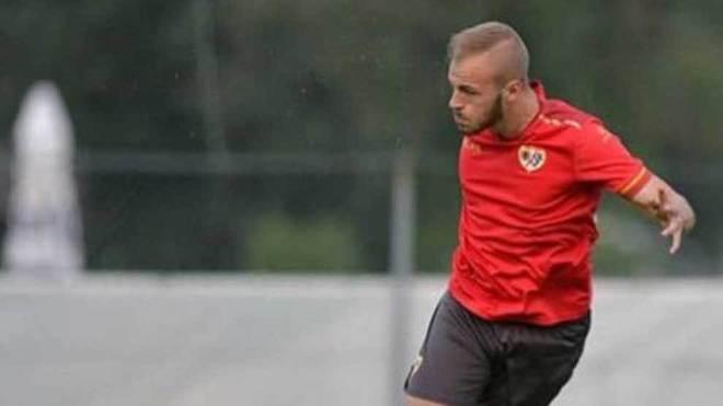 Sergio Benito, en un entrenamiento con el Rayo Vallecano.