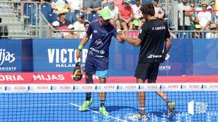 Paquito Navarro y Juan Lebrón durante un partido en Mijas.