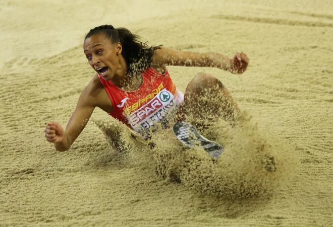 Ana Peleteiro durante el Europeo de pista cubierta de Glasgow.