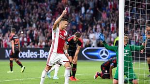 El Ajax golea en casa sin Edson Álvarez.