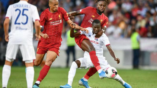 Pape Cheikh en un partido amistoso con el Olympique de Lyon ante el...