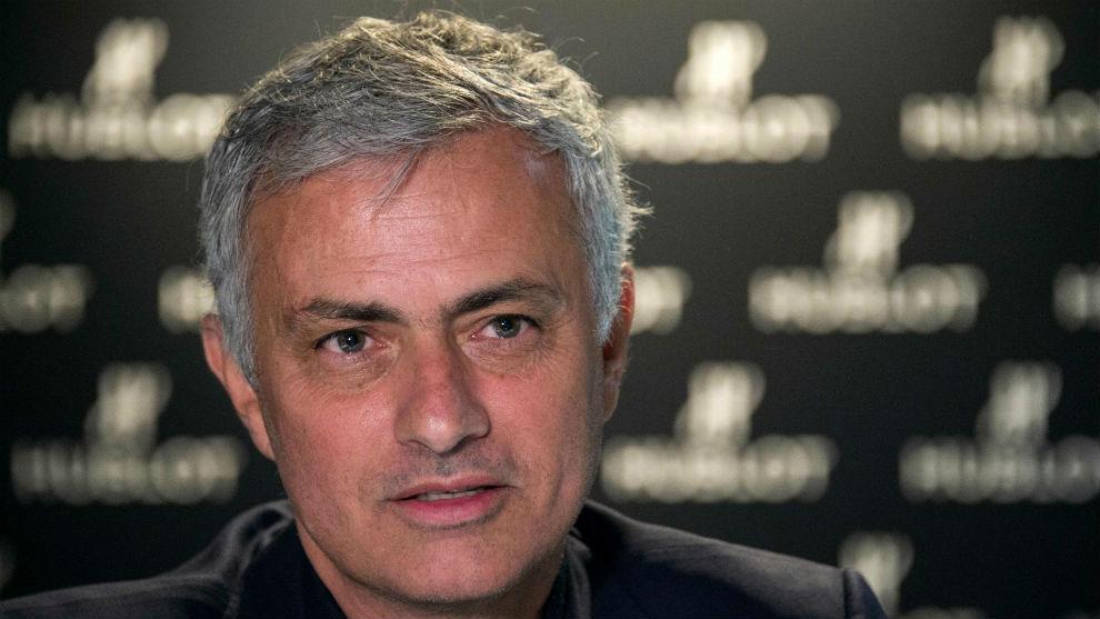 José Mourinho (56).