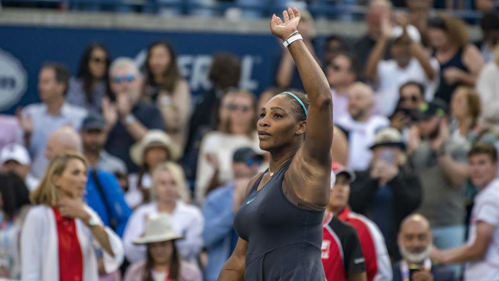 Serena Williams llora desconsolada y su rival la apoya