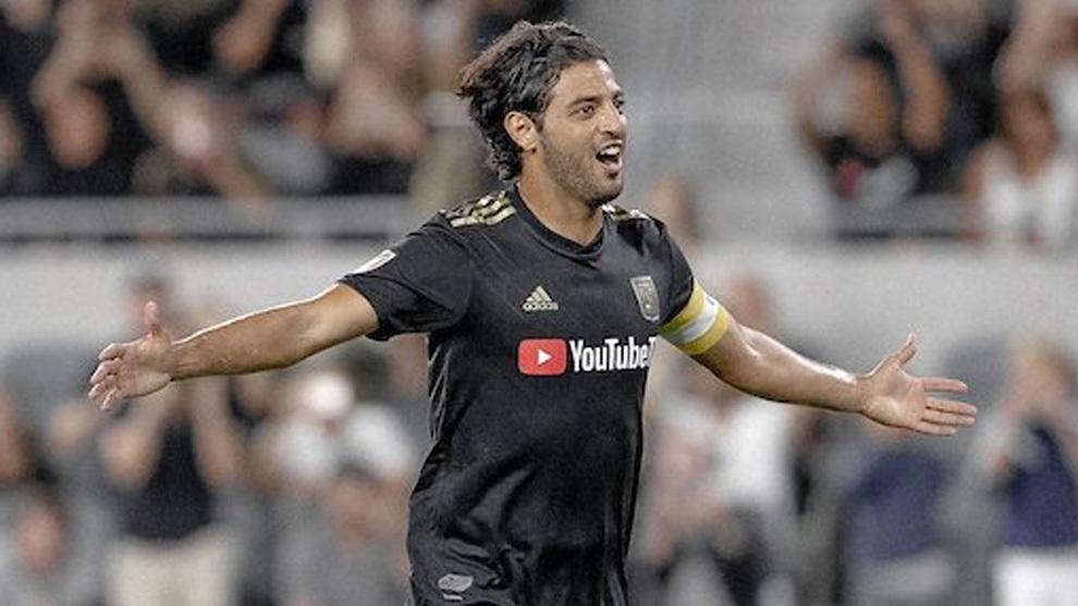 Carlos Vela en festejo de gol