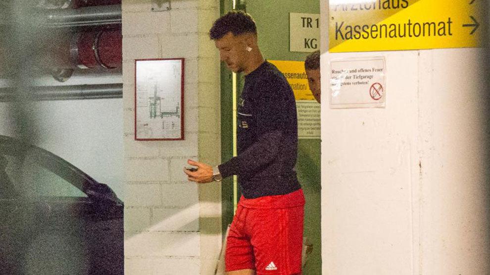 Ivan Perisic heading for his Bayern medical.