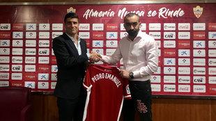 Pedro Emanuel, presentado como entrenador del Almería por Mohamed El...