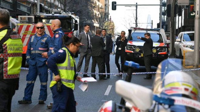 Imágenes de Sídney tras el ataque con cuchillo que deja una persona muerta.