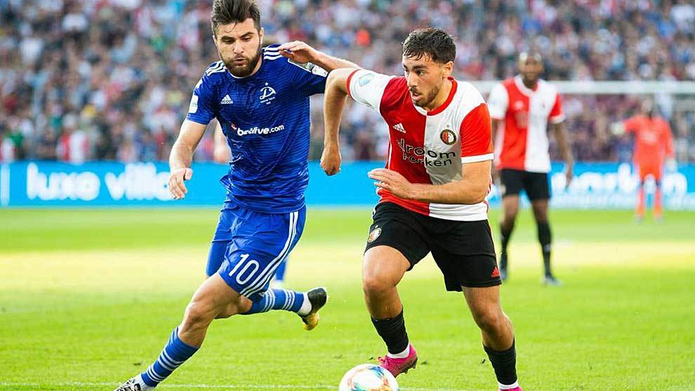 Levan Shengelia ante Orkun Kokcu durante el reciente Dinamo...