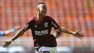 Lazaro celebra un gol