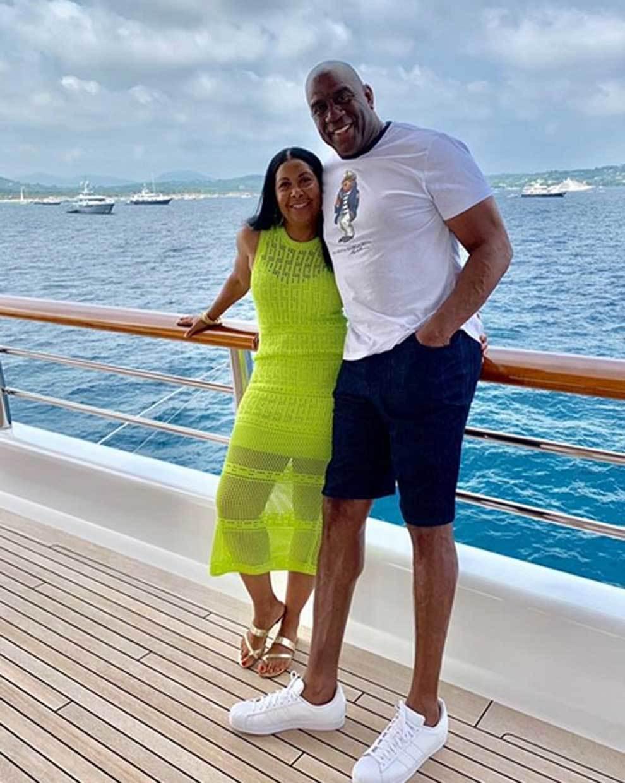 Magic Johnson 60 éves lesz: Így él az NBA mítosz ma feleségével, Cookie-val