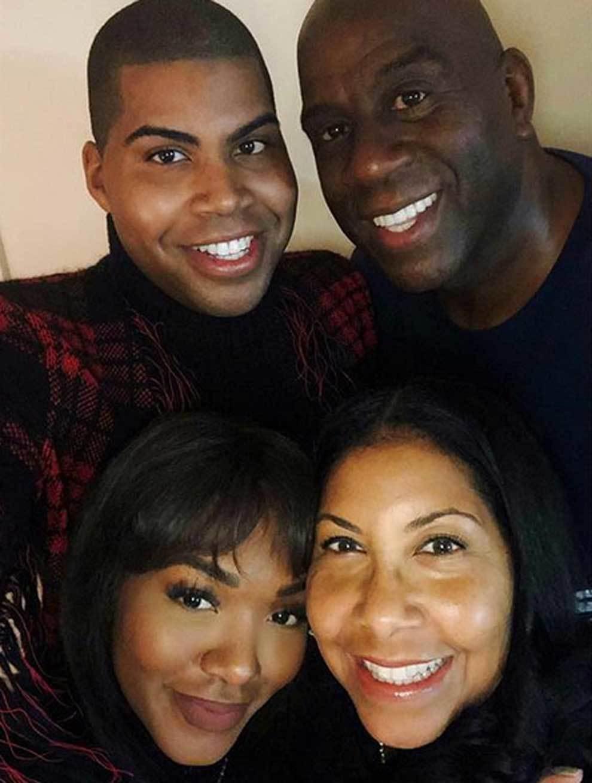 Magic Johnson 60 éves lett: így él az NBA mítosz feleségével Cookie, fia, EJ Johnson és lánya Elisa J mellett.