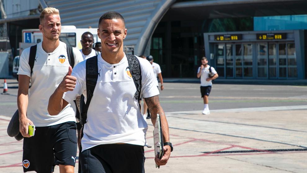 Rodrigo en un viaje con el Valencia este verano.