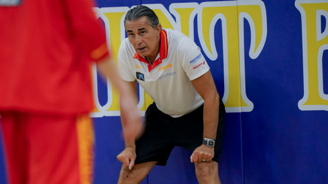 Scariolo, en un entrenamiento de España en Anaheim