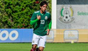 José Juan Macías con la camiseta de la selección mexicana sub 20.