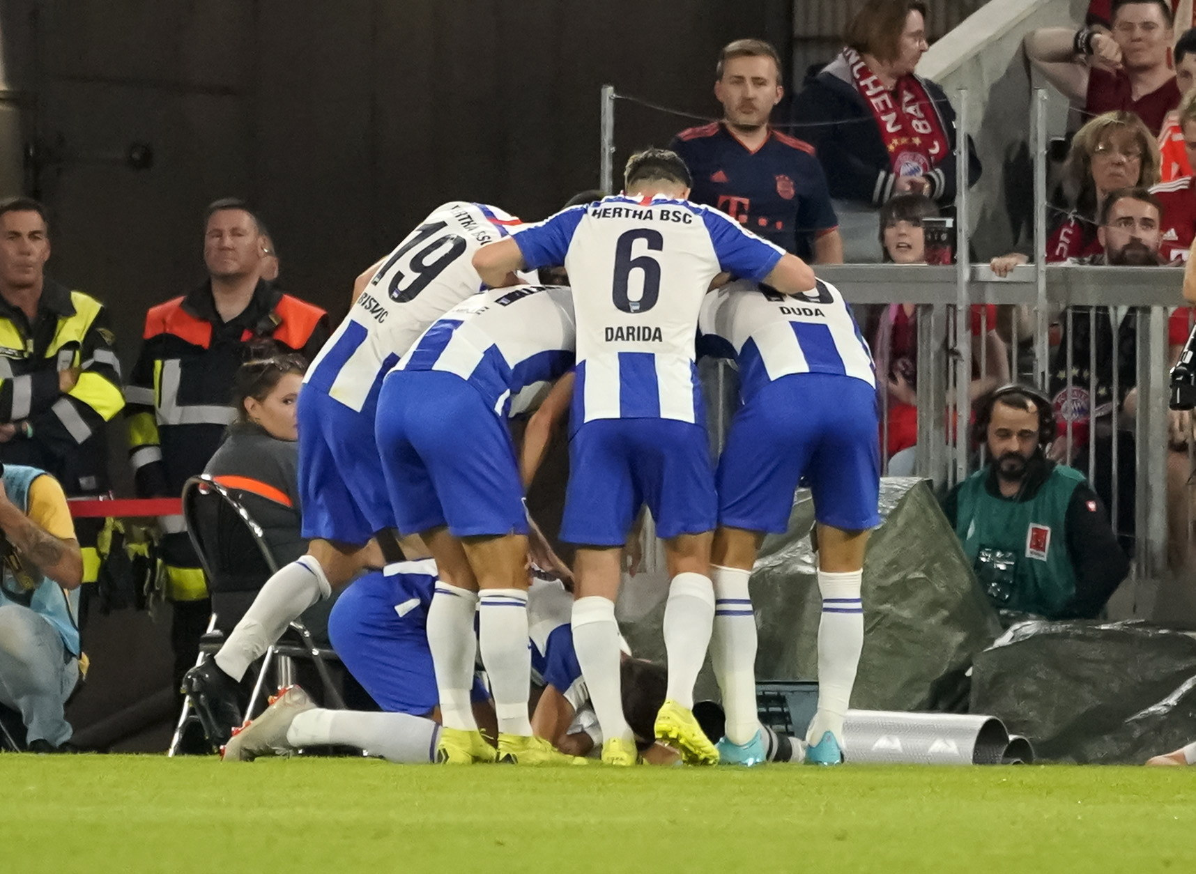 Munich (Germany), 16/08/2019.- Hertha players celebrate after scoring the 2-1 lead during the German Bundesliga soccer match between FC <HIT>Bayern</HIT> Munich and Hertha BSC Berlin in Munich, Germany, 16 August 2019. (Alemania) EFE/EPA/RONALD WITTEK CONDITIONS - ATTENTION: The DFL regulations prohibit any use of photographs as image sequences and/or quasi-video