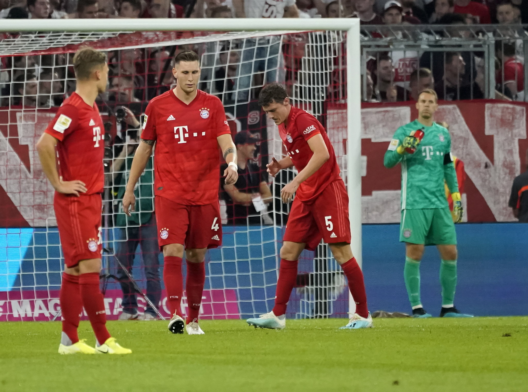 Munich (Germany), 16/08/2019.- <HIT>Bayern</HIT> players react during the German Bundesliga soccer match between FC <HIT>Bayern</HIT> Munich and Hertha BSC Berlin in Munich, Germany, 16 August 2019. (Alemania) EFE/EPA/RONALD WITTEK CONDITIONS - ATTENTION: The DFL regulations prohibit any use of photographs as image sequences and/or quasi-video