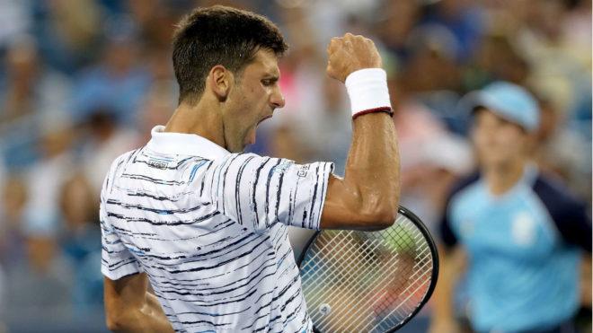 Djokovic festeja un punto durante el encuentro