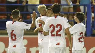 Dorsales de algunos jugadores del Sevilla durante la pretemporada.