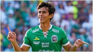 José Juan Macías celebrando un gol con el León.