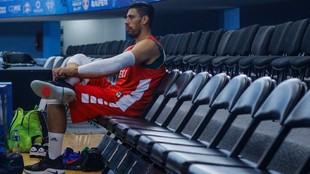 Gustavo Ayón, basquetbolista mexicano.