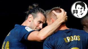 Bale celebra con Kroos el gol del alemán