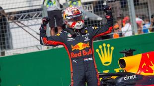 Max Verstappen celebra su primera 'pole' en Hungría.