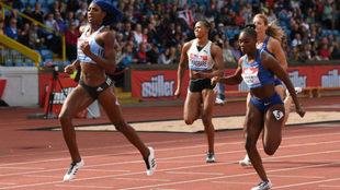 La bahamesa Shaunae Miller-Uibo se impone en los 200 metros de...