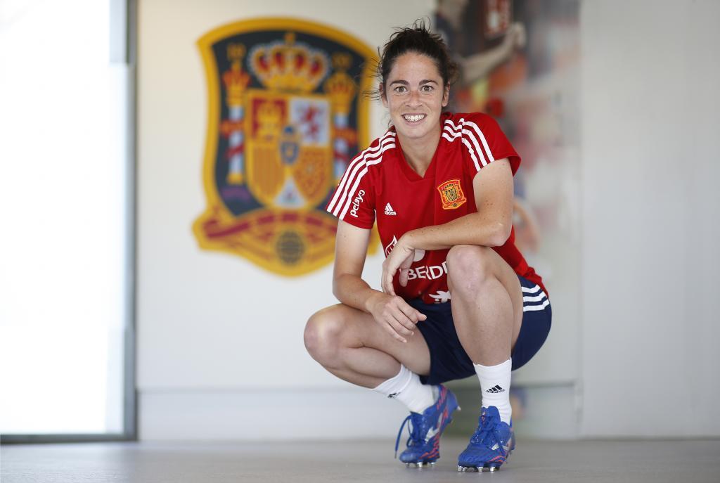 Marta Torrejón posa para MARCA en la Ciudad del Fútbol de Las Rozas.