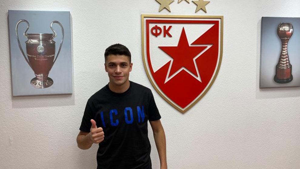 Mateo García, en las oficinas de su nuevo club el Estrella Roja.