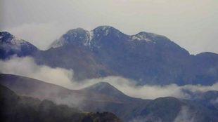 La nieve ha cubierto de blanco las cimas más emblemáticas de los...
